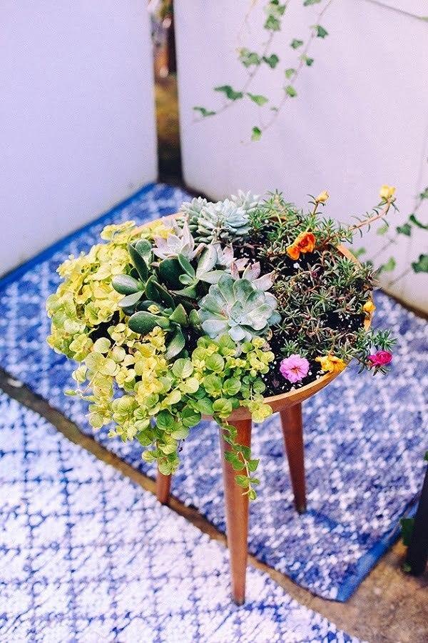 tripod planter