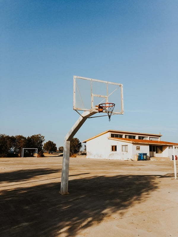 basketball pole backyard